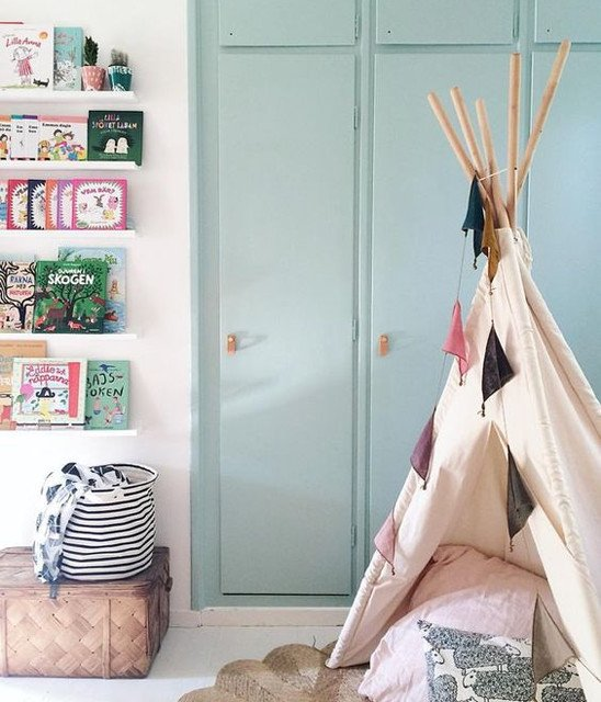 Teepee with garland