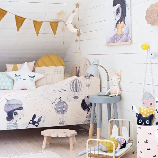 Colorful Dreamy Girl Bedroom Decor