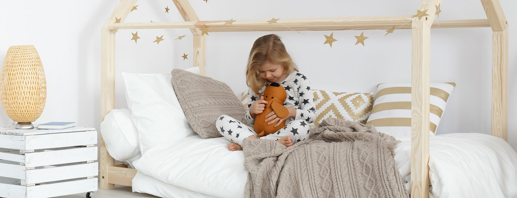 Why Are Kids Different At Home And At >> A Simple Guide To Help You Choose The Perfect House Bed For